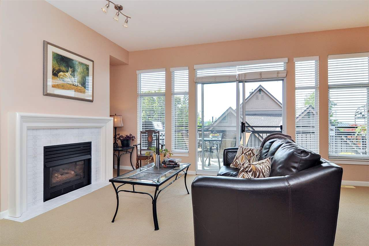 Main Photo: 16 910 FORT FRASER RISE in Port Coquitlam: Citadel PQ Townhouse for sale : MLS®# R2398256