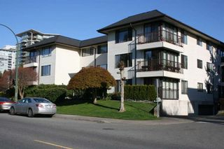 Photo 1: 302 15317 THRIFT AVENUE in South Surrey White Rock: White Rock Home for sale ()  : MLS®# R2051511