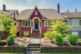 Photo 1: 2086 PARKER Street in Vancouver: Grandview Woodland House for sale (Vancouver East)  : MLS®# R2380539