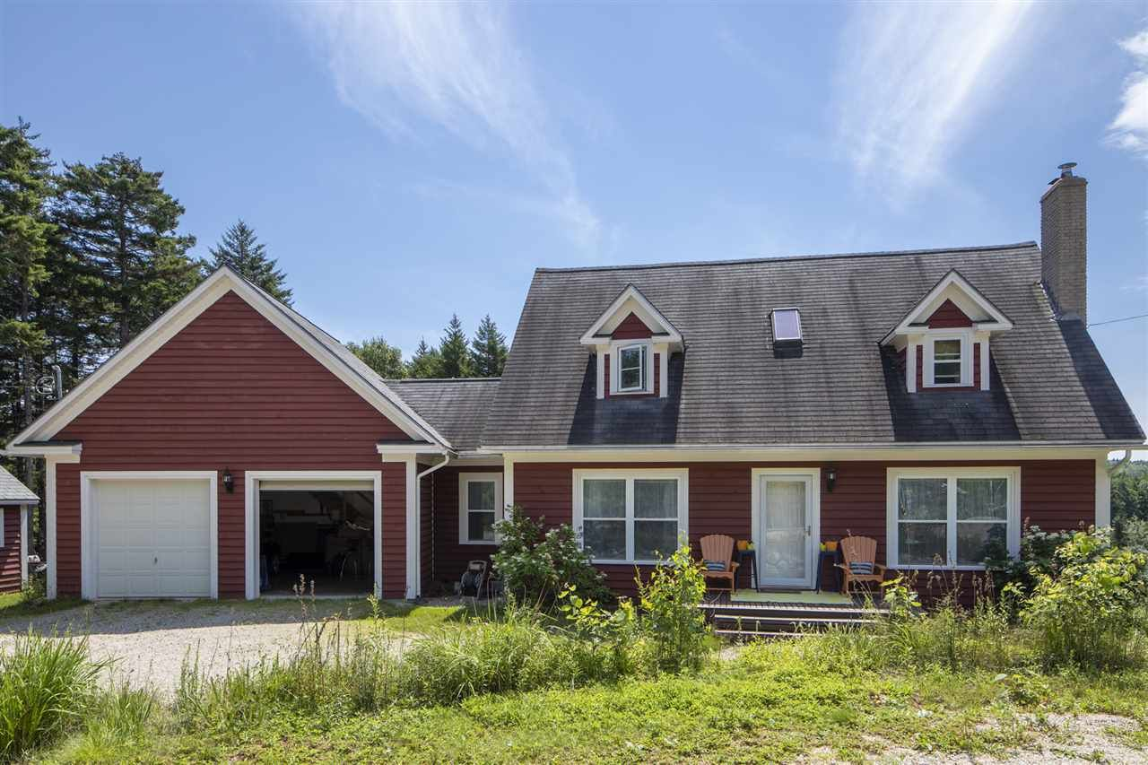 Main Photo: 419 Lakewood Drive in Chester Grant: 405-Lunenburg County Residential for sale (South Shore)  : MLS®# 202015278