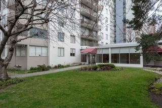 """Photo 3: 302 1251 CARDERO Street in Vancouver: Downtown VW Condo for sale in """"SURFCREST"""" (Vancouver West)  : MLS®# R2352438"""