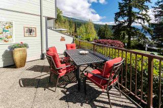 """Photo 2: 4 2151 BANBURY Road in North Vancouver: Deep Cove Townhouse for sale in """"Mariners Cove"""" : MLS®# R2584972"""