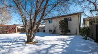 Photo 34: 122 Stacey Crescent in Saskatoon: Dundonald Residential for sale : MLS®# SK803368