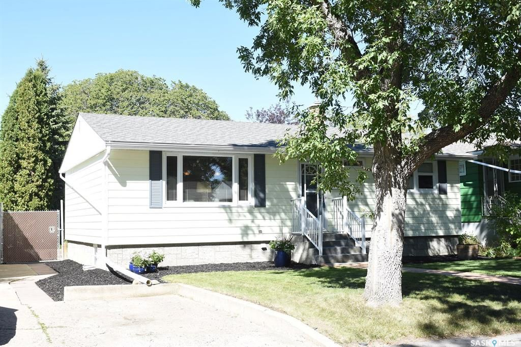 Main Photo: 3610 21st Avenue in Regina: Lakeview RG Residential for sale : MLS®# SK826257