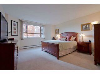 """Photo 13: 104 15111 RUSSELL Avenue: White Rock Condo for sale in """"Pacific Terrace"""" (South Surrey White Rock)  : MLS®# F1411286"""