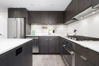 """Photo 8: 1102 111 E 1ST Avenue in Vancouver: Mount Pleasant VE Condo for sale in """"BLOCK 100"""" (Vancouver East)  : MLS®# R2617874"""