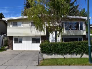 Photo 1: 635 Tavender Road NW in Calgary: Thorncliffe Detached for sale : MLS®# A1117186
