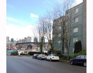 """Photo 3: 506 1510 W 1ST Avenue in Vancouver: False Creek Condo for sale in """"MARINER POINT"""" (Vancouver West)  : MLS®# V691019"""