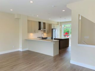 """Photo 5: 6 20498 82 Avenue in Langley: Willoughby Heights Townhouse for sale in """"Gabriola Park"""" : MLS®# R2535365"""