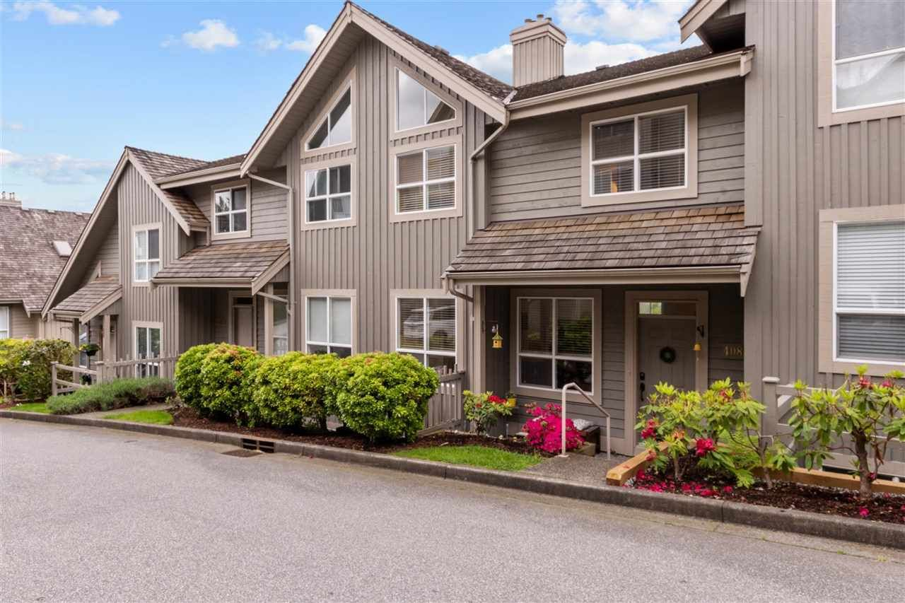 """Main Photo: 408 1485 PARKWAY Boulevard in Coquitlam: Westwood Plateau Townhouse for sale in """"The Viewpoint"""" : MLS®# R2585360"""