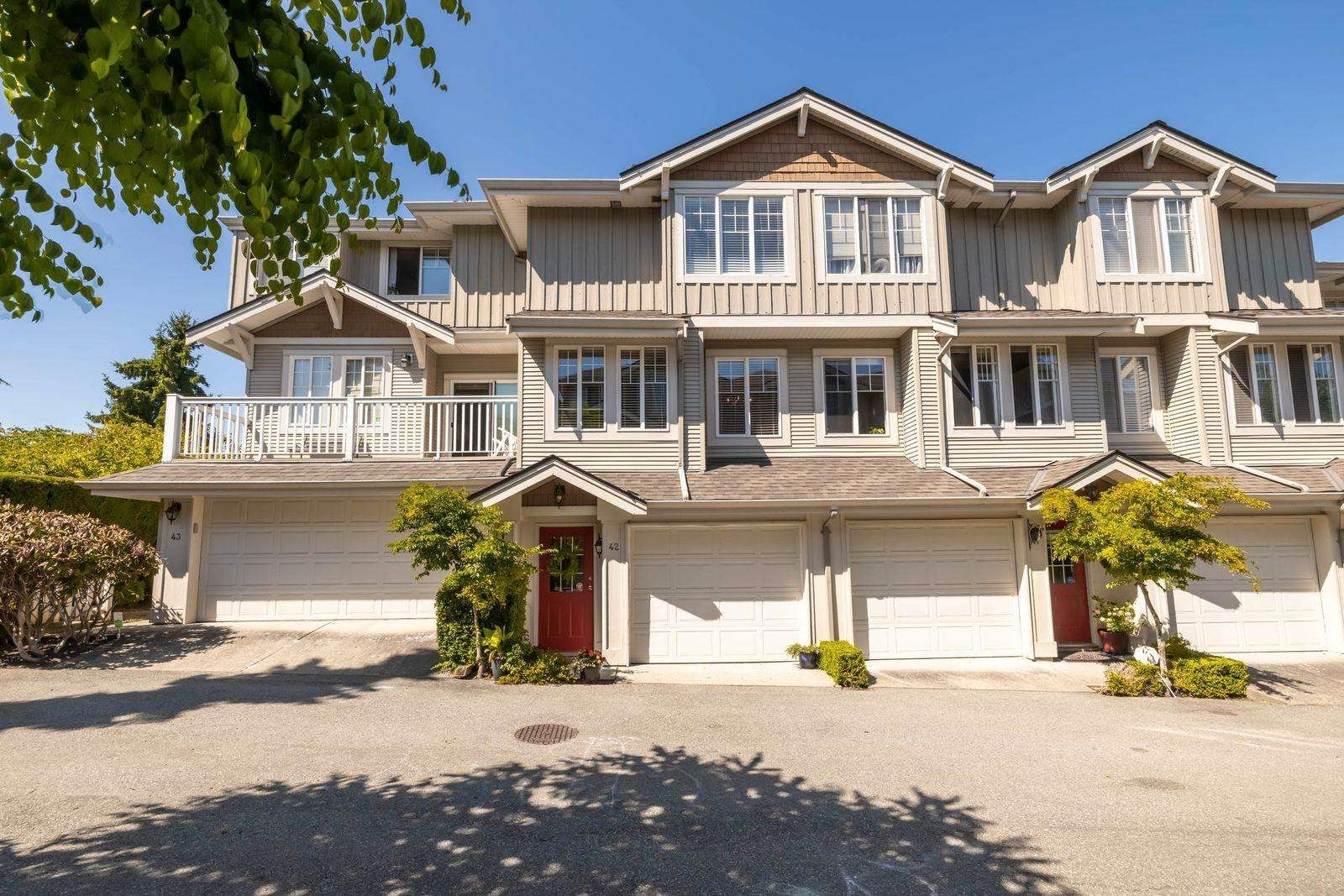 """Main Photo: 42 14877 58 Avenue in Surrey: Sullivan Station Townhouse for sale in """"REDMILL"""" : MLS®# R2603819"""