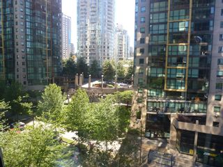 """Photo 5: 613 1333 W GEORGIA Street in Vancouver: Coal Harbour Condo for sale in """"Qube"""" (Vancouver West)  : MLS®# V1024937"""