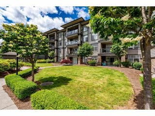 """Photo 30: 106 2068 SANDALWOOD Crescent in Abbotsford: Central Abbotsford Condo for sale in """"The Sterling"""" : MLS®# R2590932"""