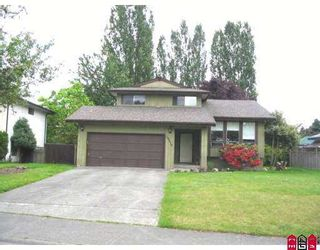 Photo 1: 19516 62A Avenue in Surrey: Clayton House for sale (Cloverdale)  : MLS®# F2712153