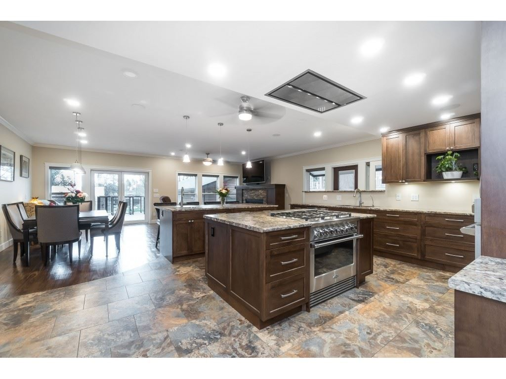 Photo 4: Photos: 11560 81A Avenue in Delta: Scottsdale House for sale (N. Delta)  : MLS®# R2520642
