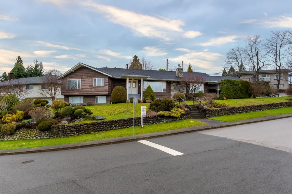 Main Photo: 4391 MAHON AVENUE in Burnaby: Deer Lake Place House for sale (Burnaby South)  : MLS®# R2429871