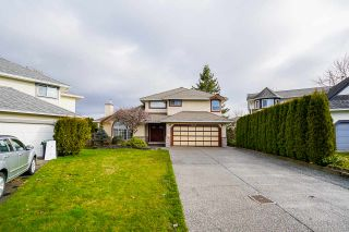 Photo 2: 21047 92 Avenue in Langley: Walnut Grove House for sale : MLS®# R2538072