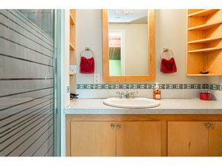 """Photo 16: 19659 36 Avenue in Langley: Brookswood Langley House for sale in """"Brookswood"""" : MLS®# R2496777"""