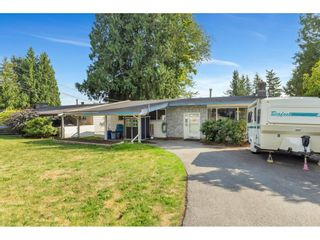 Photo 1: 33270 BROWN Crescent in Mission: Mission BC House for sale : MLS®# R2617562