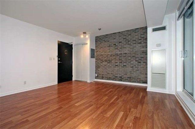 Photo 2: Photos: 1009 76 Shuter Street in Toronto: Church-Yonge Corridor Condo for lease (Toronto C08)  : MLS®# C3702537