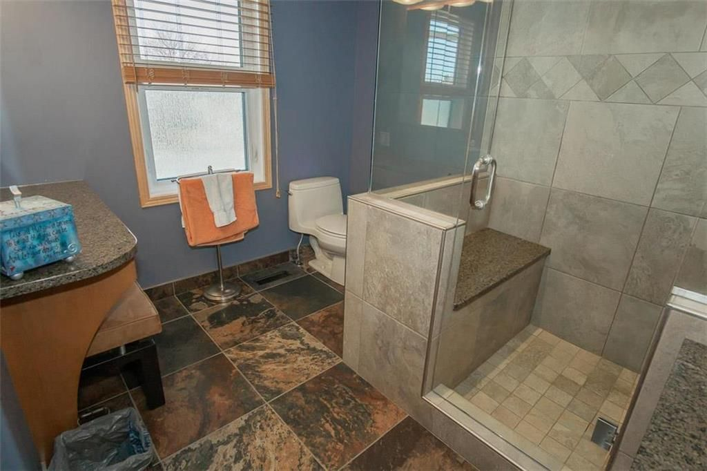 Photo 22: Photos: 23 Tiverton Bay in Winnipeg: River Park South Residential for sale (2F)  : MLS®# 202008374