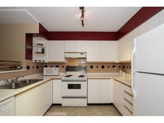 """Photo 6: 303 3505 W BROADWAY in Vancouver: Kitsilano Condo for sale in """"COLLINGWOOD PLACE"""" (Vancouver West)  : MLS®# R2086967"""