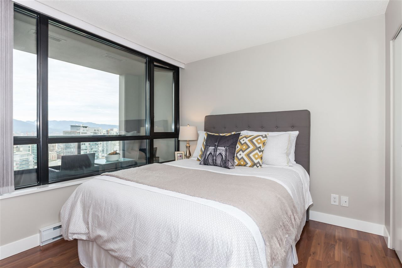 "Photo 8: Photos: 3401 909 MAINLAND Street in Vancouver: Yaletown Condo for sale in ""YALETOWN PARK"" (Vancouver West)  : MLS®# R2126957"