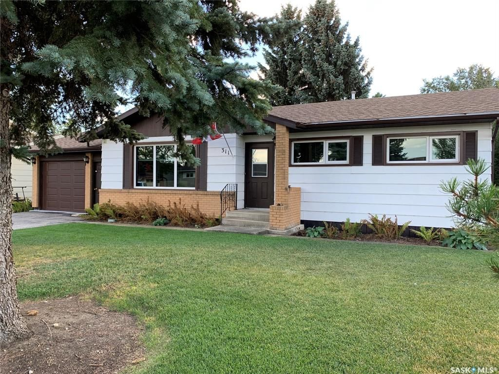 Main Photo: 311 8th Avenue West in Watrous: Residential for sale : MLS®# SK843185