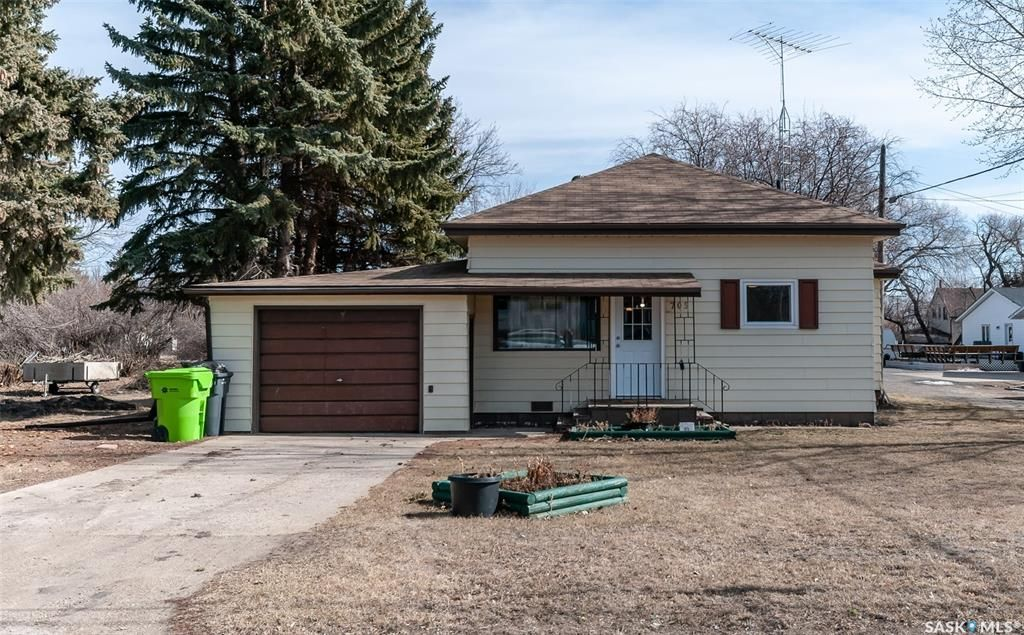 Main Photo: 705 Eberts Street in Indian Head: Residential for sale : MLS®# SK848663