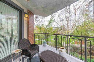 """Photo 18: 204 1580 MARTIN Street in Surrey: White Rock Condo for sale in """"Sussex House"""" (South Surrey White Rock)  : MLS®# R2357775"""