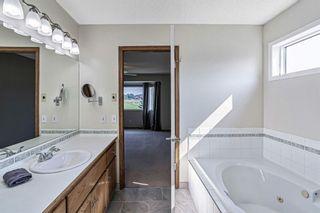 Photo 18: 426 Riverview Green: Cochrane Detached for sale : MLS®# A1132015