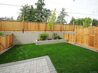 Photo 2: 114 21 Conard St in View Royal: VR Hospital Condo for sale : MLS®# 588594
