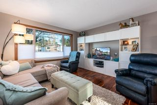 Photo 3: 1917 Cougar Cres in : CV Comox (Town of) House for sale (Comox Valley)  : MLS®# 863198