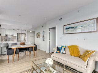 """Photo 7: 920 3557 SAWMILL Crescent in Vancouver: South Marine Condo for sale in """"RIVER DISTRICT - ONE TOWN CENTER"""" (Vancouver East)  : MLS®# R2580198"""