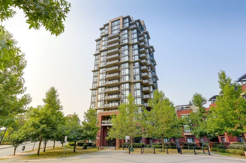 "Main Photo: 1004 11 E ROYAL Avenue in New Westminster: Fraserview NW Condo for sale in ""VICTORIA HILL"" : MLS®# R2193941"