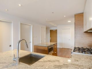 """Photo 23: 204 4375 W 10TH Avenue in Vancouver: Point Grey Condo for sale in """"The Varsity"""" (Vancouver West)  : MLS®# R2552003"""