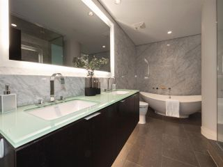 """Photo 12: 1510 HOMER Mews in Vancouver: Yaletown Townhouse for sale in """"THE ERICKSON"""" (Vancouver West)  : MLS®# R2334028"""