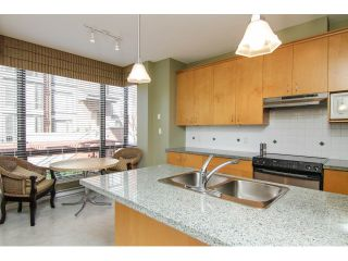 """Photo 11: 205 1551 FOSTER Street: White Rock Condo for sale in """"Sussex House"""" (South Surrey White Rock)  : MLS®# F1407910"""