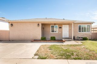Photo 2: SAN DIEGO House for sale : 4 bedrooms : 5035 Pirotte Dr