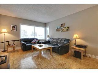 Photo 2: 19 DEER LANE Place SE in Calgary: Bungalow for sale : MLS®# C3596598