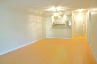 """Photo 4: 204 1009 HOWAY Street in New Westminster: Uptown NW Condo for sale in """"HUNTINGTON WEST"""" : MLS®# R2113265"""