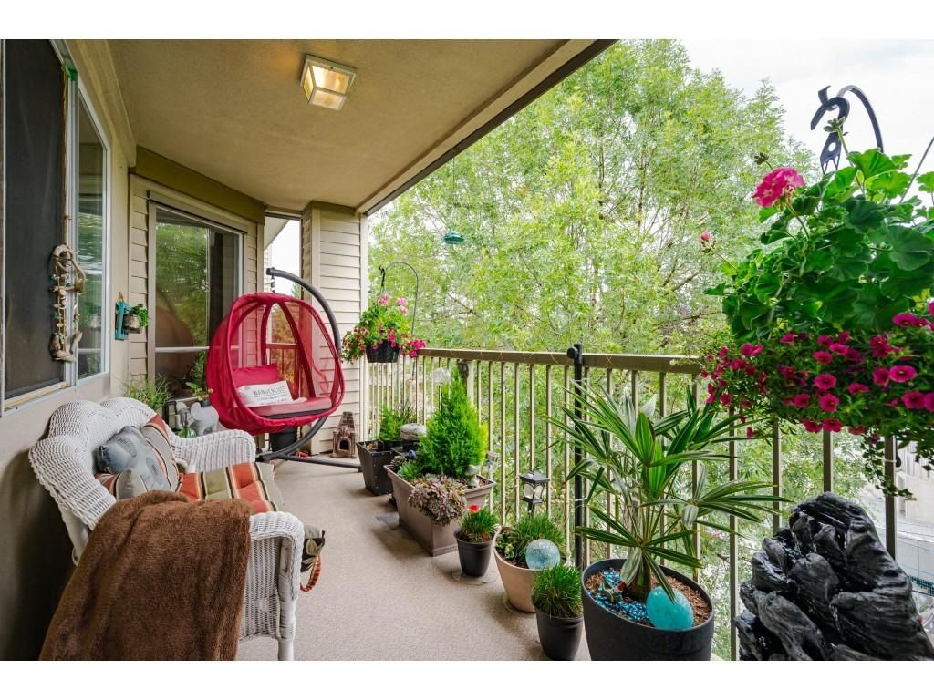 """Photo 22: Photos: 306 5450 208 Street in Langley: Langley City Condo for sale in """"Montgomery Gate"""" : MLS®# R2608181"""