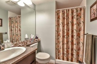 Photo 6: 102 15035 THRIFT Avenue: White Rock Condo for sale (South Surrey White Rock)  : MLS®# R2341357