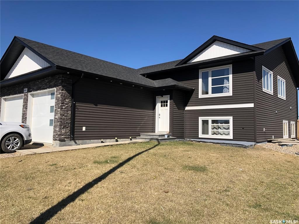 Main Photo: 961 Stony Crescent in Martensville: Residential for sale : MLS®# SK852477