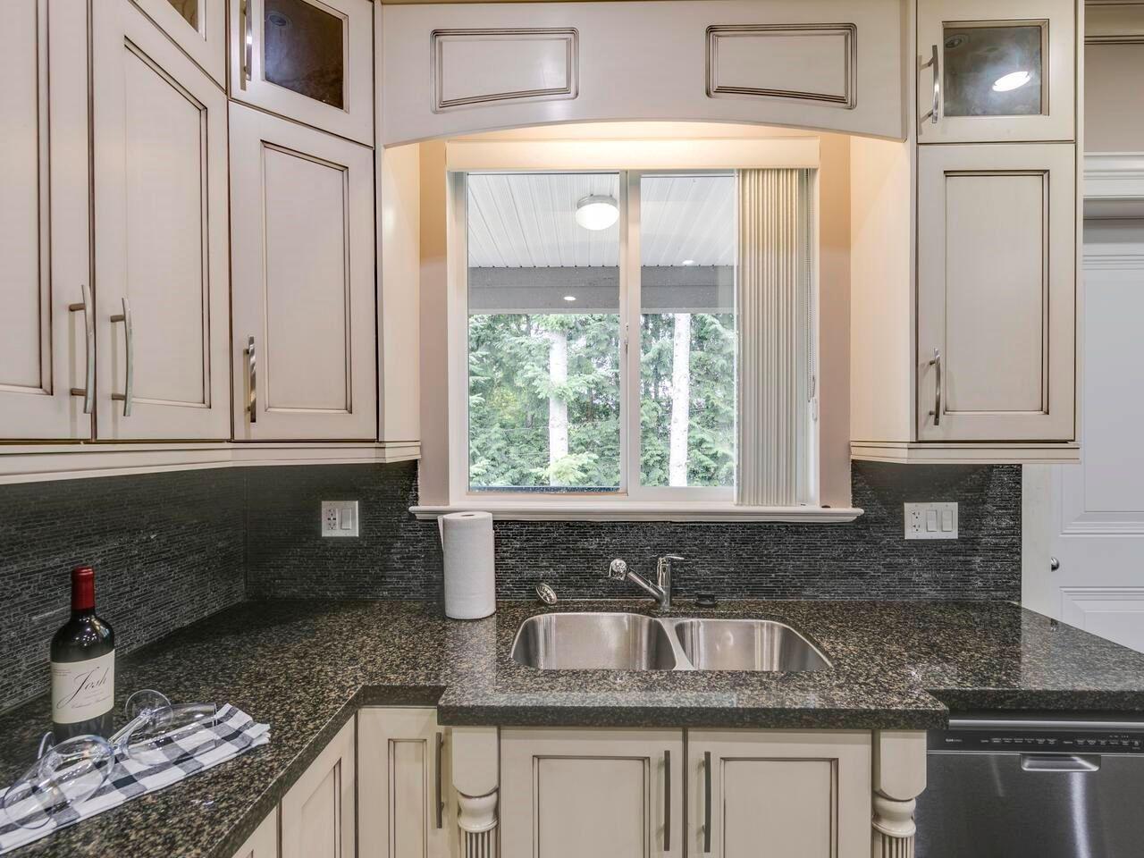 "Photo 12: Photos: 22845 126B Avenue in Maple Ridge: East Central House for sale in ""EAST CENTRAL MAPLE RIDGE"" : MLS®# R2594638"