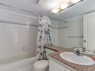 "Photo 11: 1708 1189 HOWE Street in Vancouver: Downtown VW Condo for sale in ""The Genesis"" (Vancouver West)  : MLS®# R2373933"