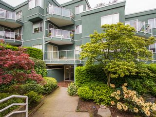 """Photo 23: 303 1540 MARINER Walk in Vancouver: False Creek Condo for sale in """"MARINER POINT"""" (Vancouver West)  : MLS®# V1121673"""