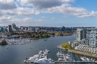 "Main Photo: 2907 1033 MARINASIDE Crescent in Vancouver: Yaletown Condo for sale in ""Quayside 1 Resort"" (Vancouver West)  : MLS®# R2334673"