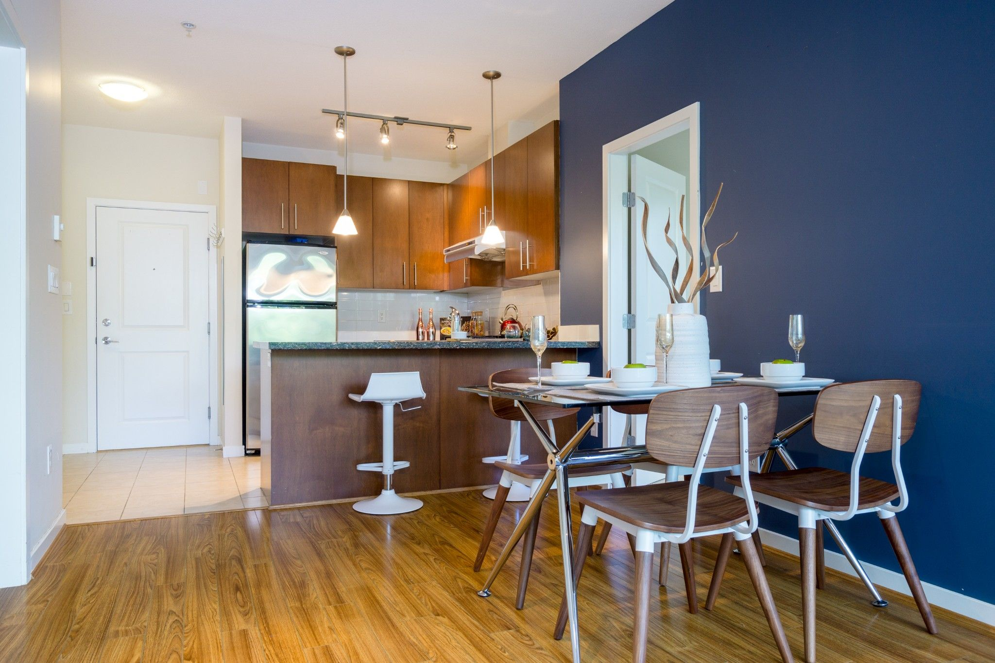 Photo 7: Photos: 208 3551 FOSTER Avenue in Vancouver: Collingwood VE Condo for sale (Vancouver East)  : MLS®# R2291555