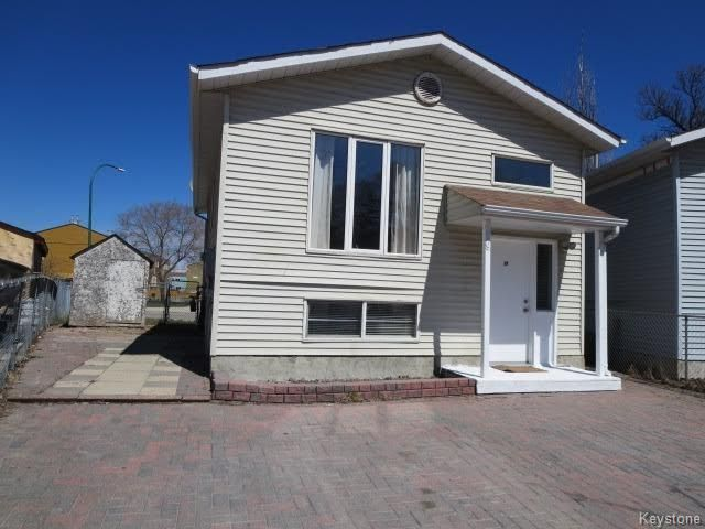 FEATURED LISTING: 19 Habitat Place Winnipeg